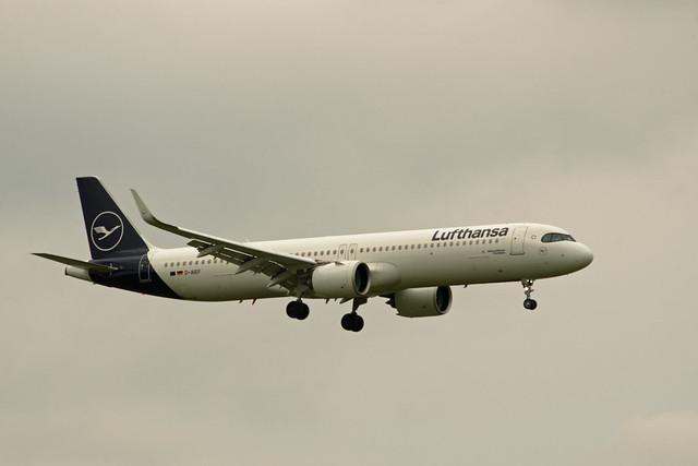 BER Brandenburg 27.9.2021 Lufthansa A-321 Neo