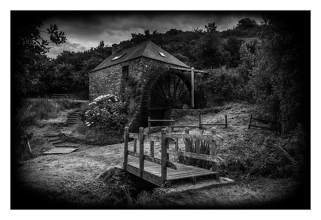 Derrière le Moulin