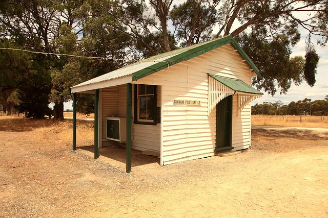 Binnum Post Office