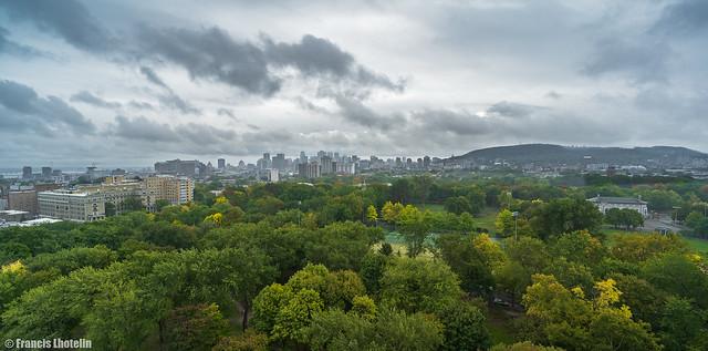 Vue de Montréal sous la pluie