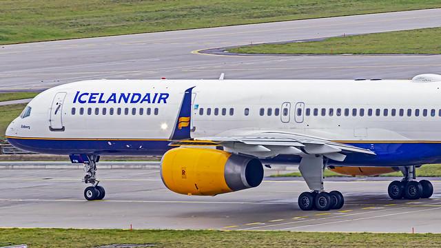 Icelandair Boeing B757-200 TF-FIN