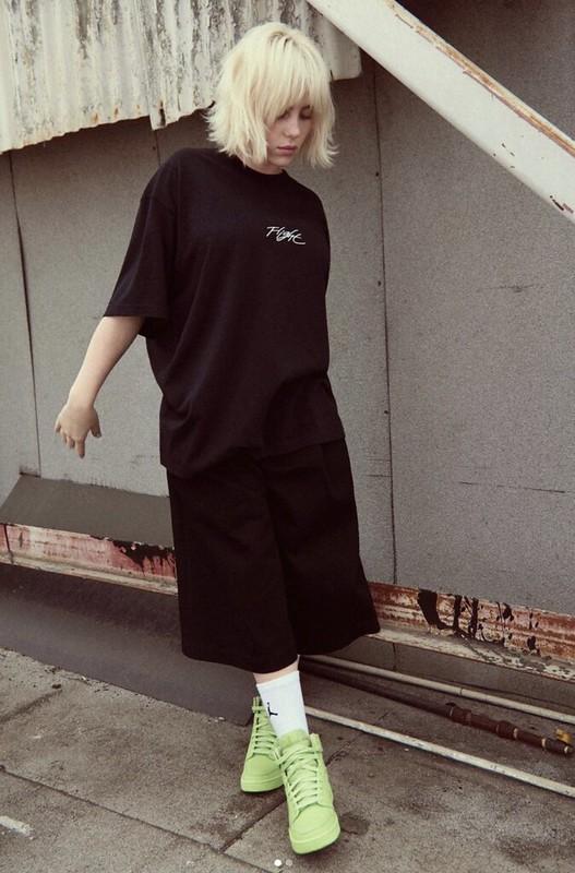 Billie Eilish Berkolaborasi Dengan Jenama Kasut Nike Buat Air Jordan Vegan