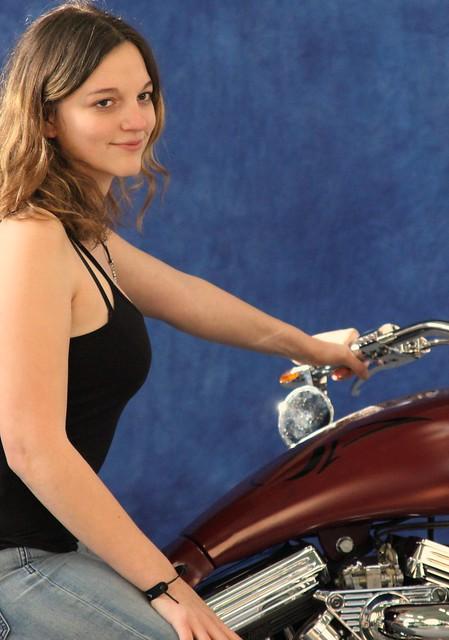 2 (84)...moto with girl