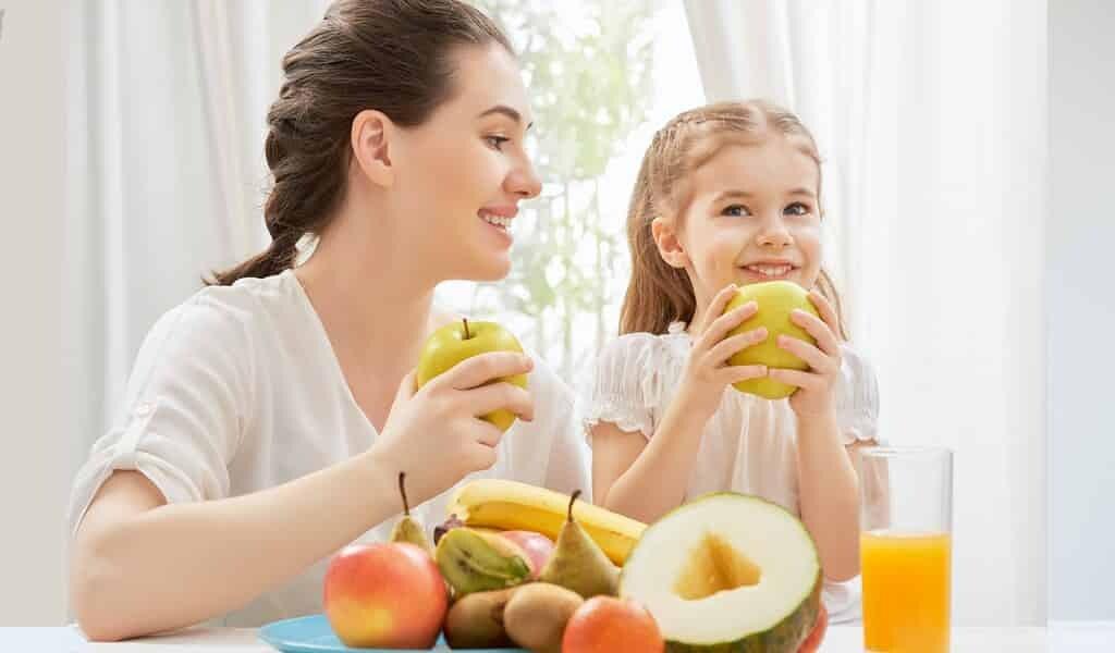 les-enfants-qui-mangent-plus-de-fruits-et-légumes-ont-une-meillere-santé-mentale