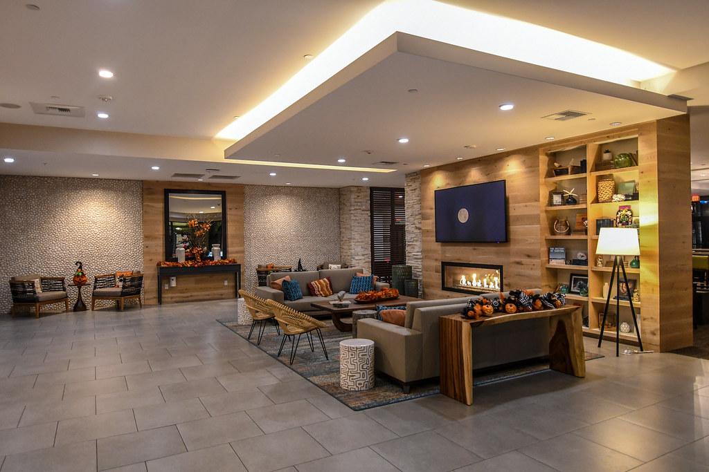 Suncoast Park Hotel lobby