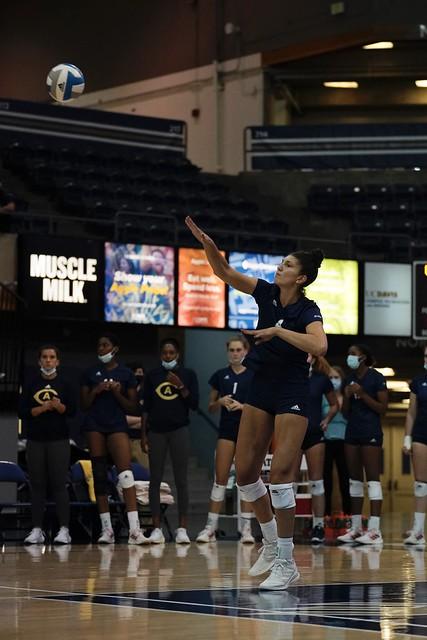 UCD vs Hawaii Volleyball