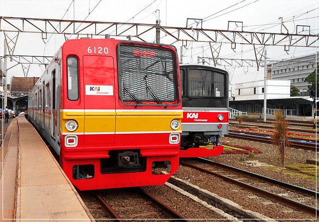 Old livery and new livery KAI Commuter