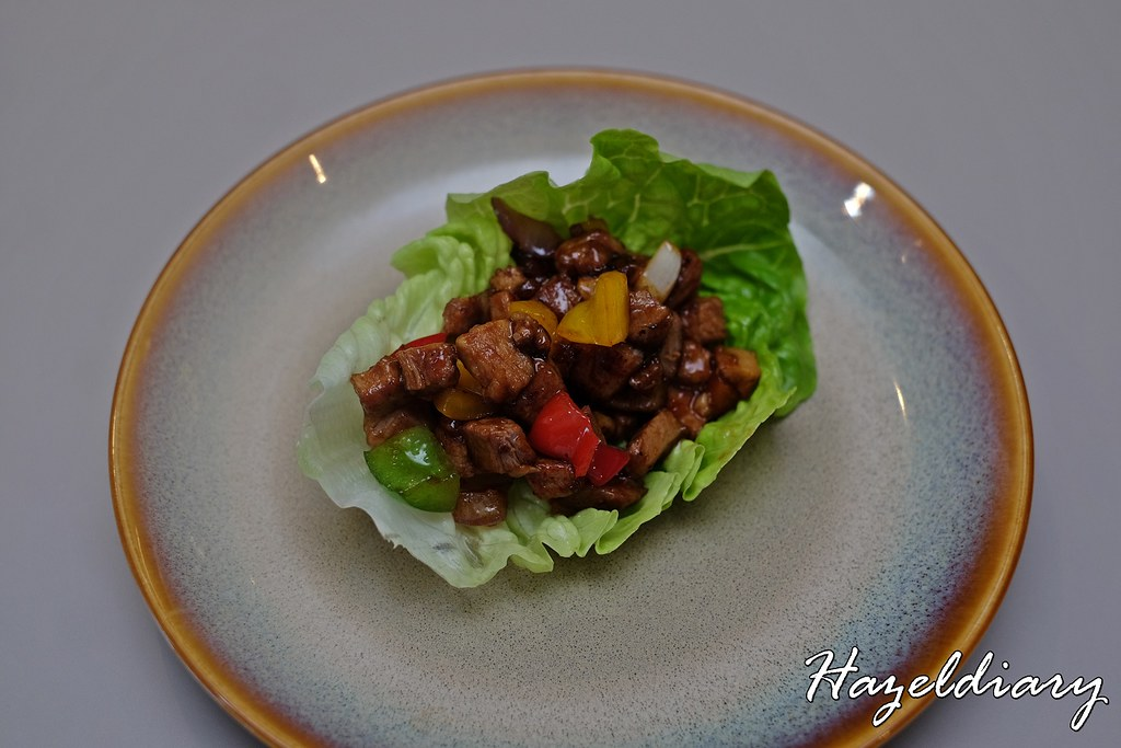Jia Wei Chinese Restaurant Grand Mercury Roxy-Wok Fried Minced Duck Meat with Romaine Leaf Cup