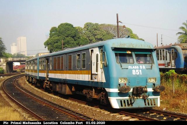 S9 851 on South bound passenger train at Maradana in 01.02.2020