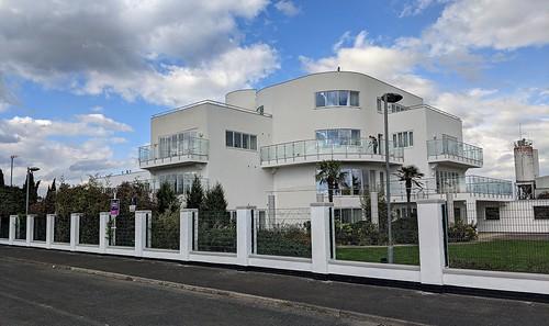 Modern Art Deco, Bishop Auckland