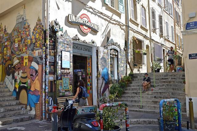 Marsiglia, camminando tra i vicoli e le scalinate del vecchio quartiere del Panier