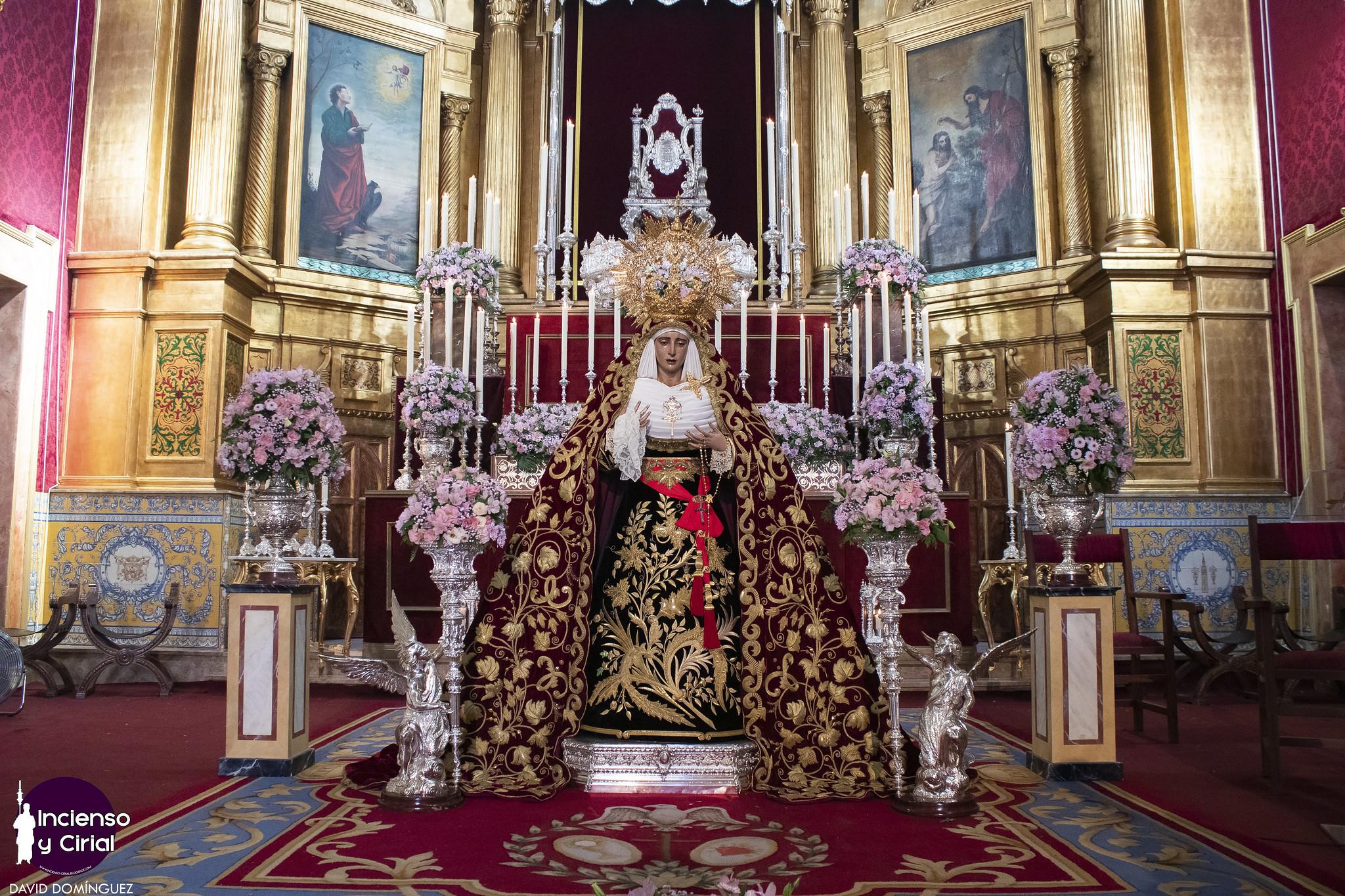 La Virgen de los Dolores del Cerro volvió a pisar el suelo de su barrio