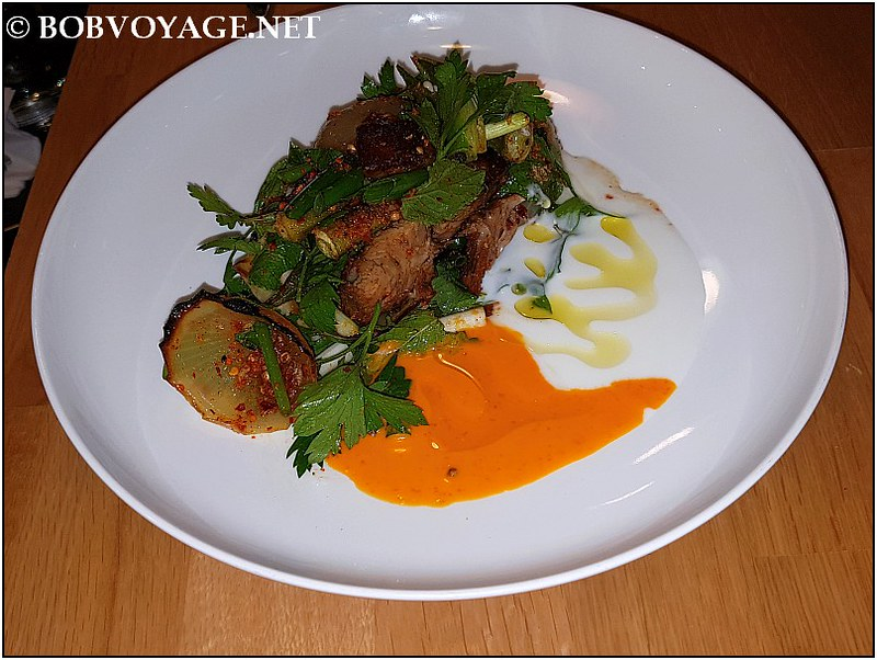 סלט טלה פריך ב-מסעדת נומי (Nomi)