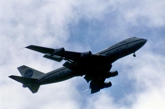 N754PA Pan Am Boeing 747-121 on runway 23 approach to London Heathrow