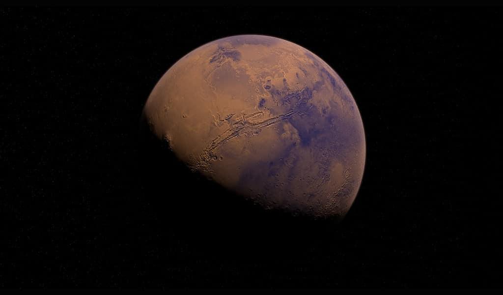 Les profonds canyons sur Mars ont été formés par des inondations