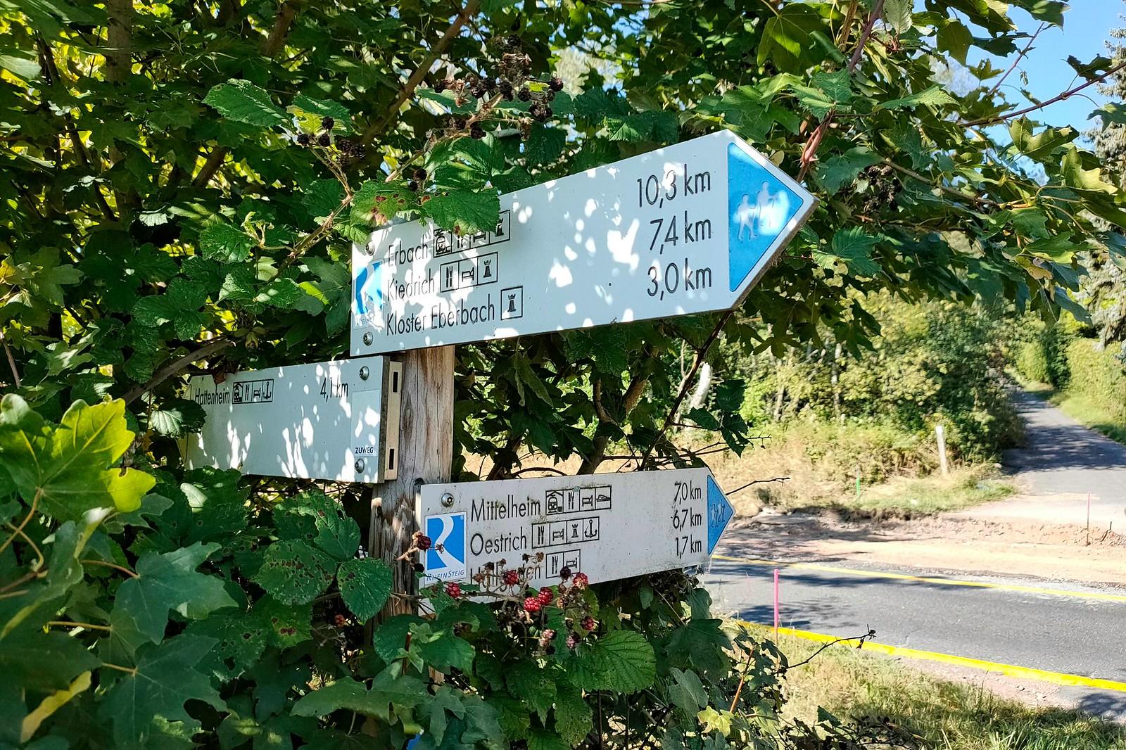 Wegezeichen an der K634