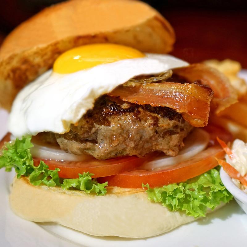 Lobbyt Lounge Burger