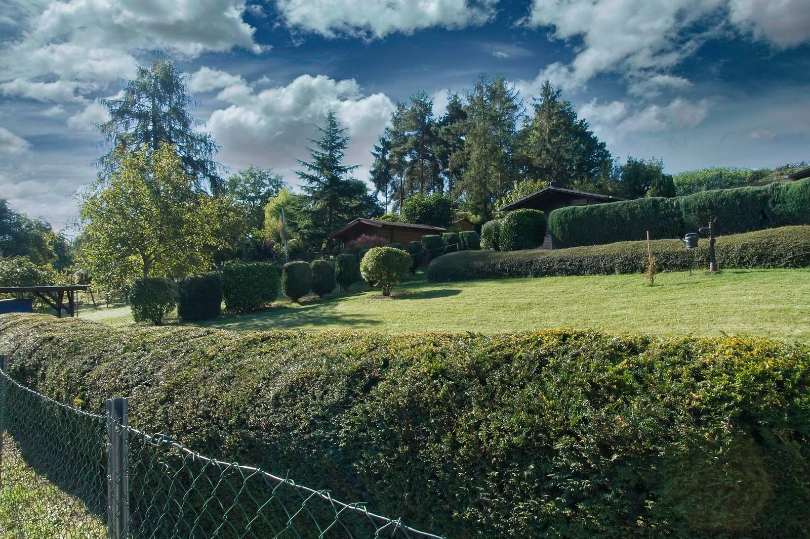 Laubengrundstücke bei Hattenheim (mit künstlichen Wolken)
