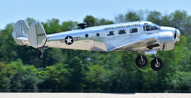 Beech C-45H Expeditor (Beech 18) N213DE 111835 USAAF and USAF as 41-9442 51-11835