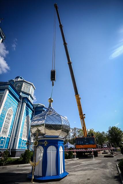 30 сентября 2021, Митрополит освятил купола и кресты для храма Рождества Пресвятой Богородицы станицы Рождественской