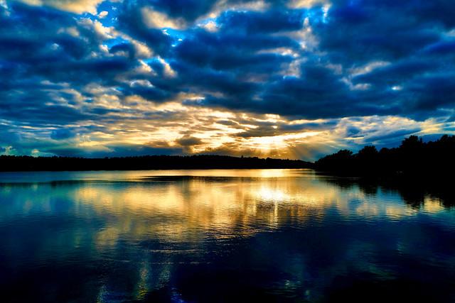 Colors mood at the lake