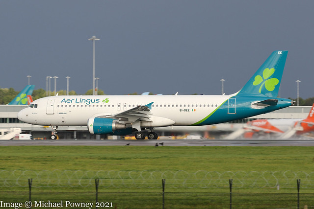 EI-DEE - 2004 build Airbus A320-214, rolling for departure on Runway 23R at Manchester