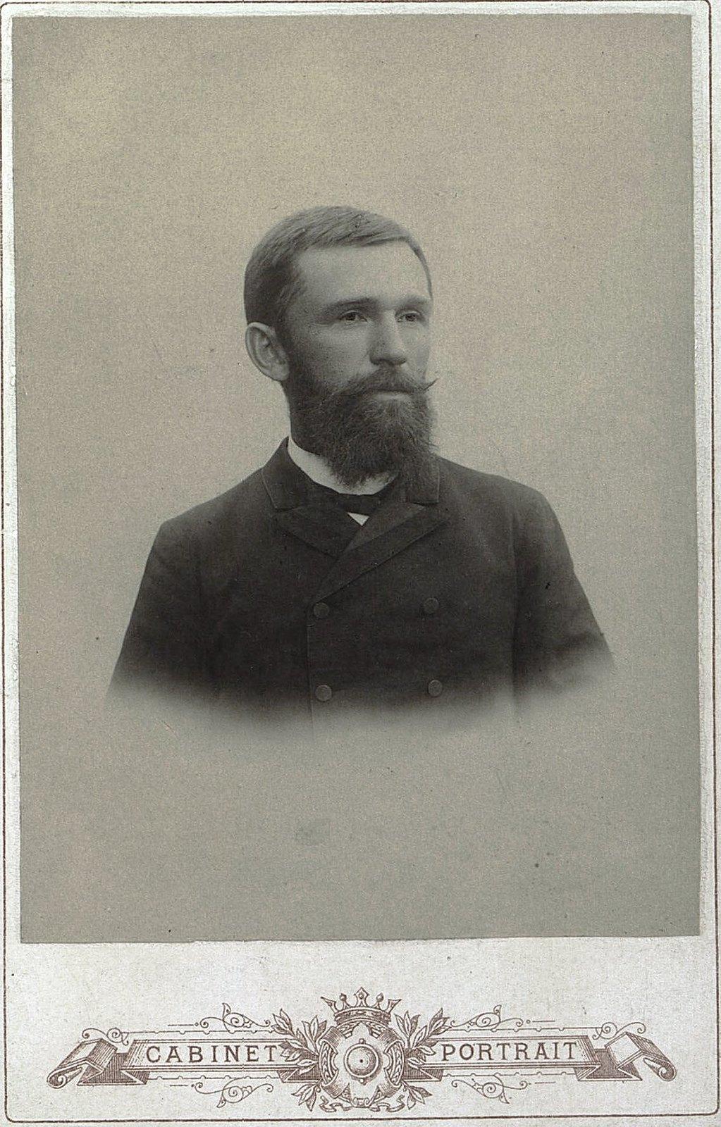 Кафтанников Михаил Иванович, владелец мясной и колбасной торговли в Дмитрове. 1890-е гг.