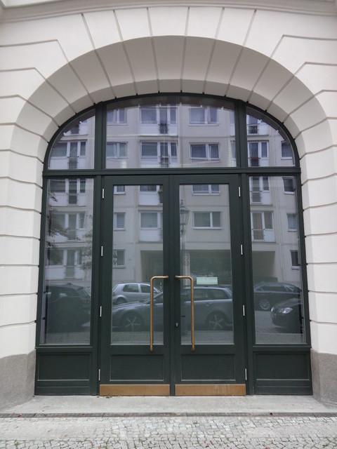 1908/09 Berlin korbbogiges Portal neobarockes Kaufhaus Rudolph Hertzog von Gustav Hochgürtel Scharrenstraße/Brüderstraße 26 in 10178 Mitte