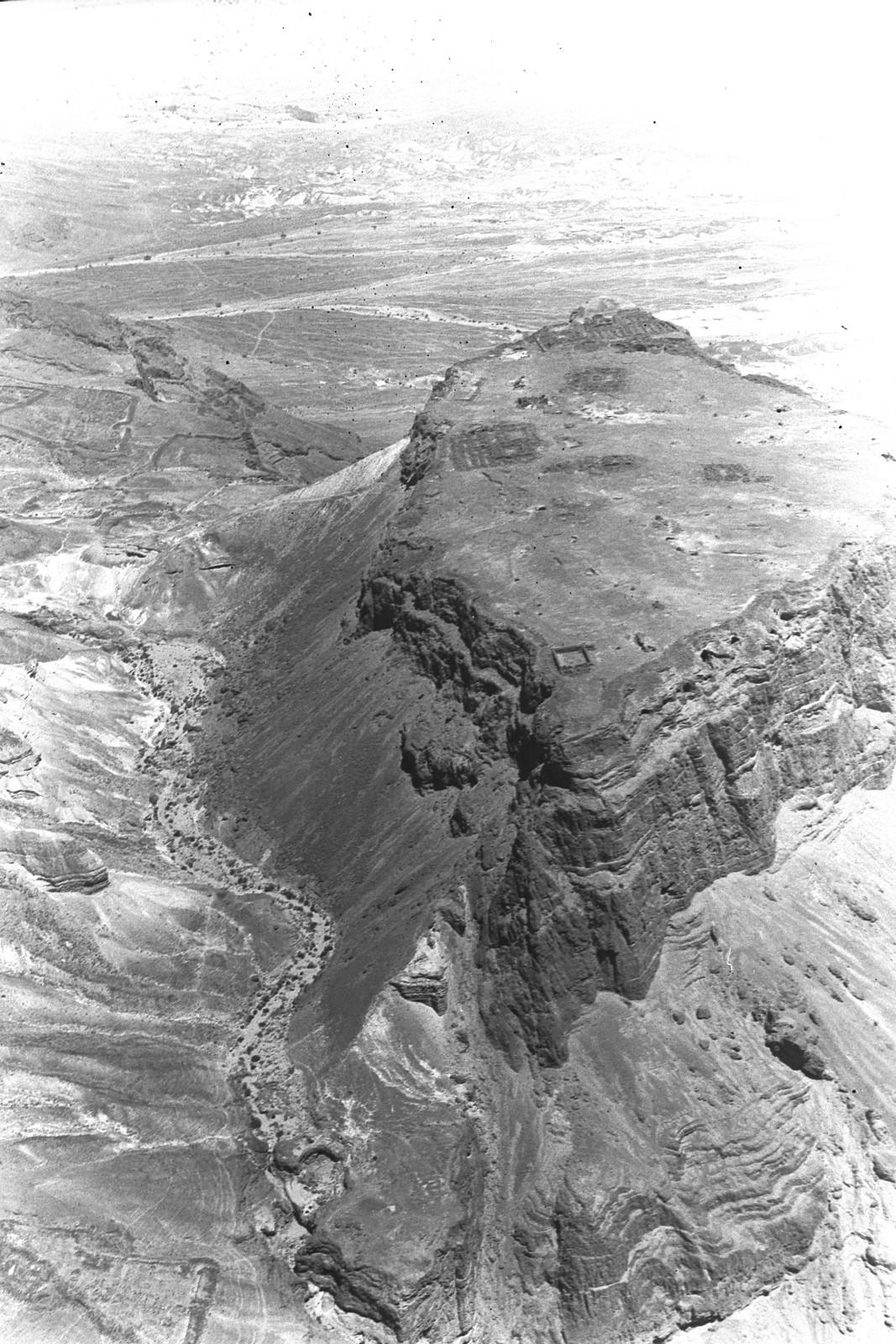1938. Аэрофотоснимок Масады