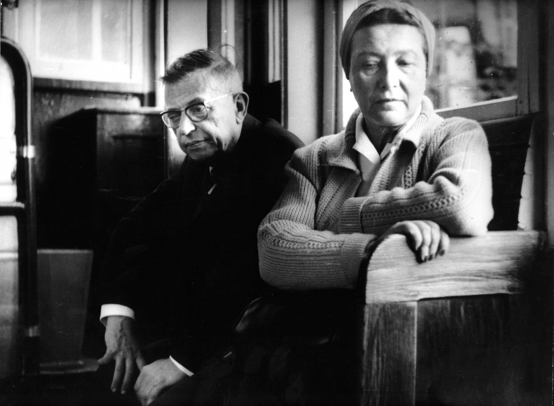 40. 1965. Ж.-П. Сартр и С. де Бовуар в Литве. Каунас
