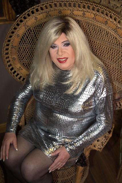 Silver disco queen