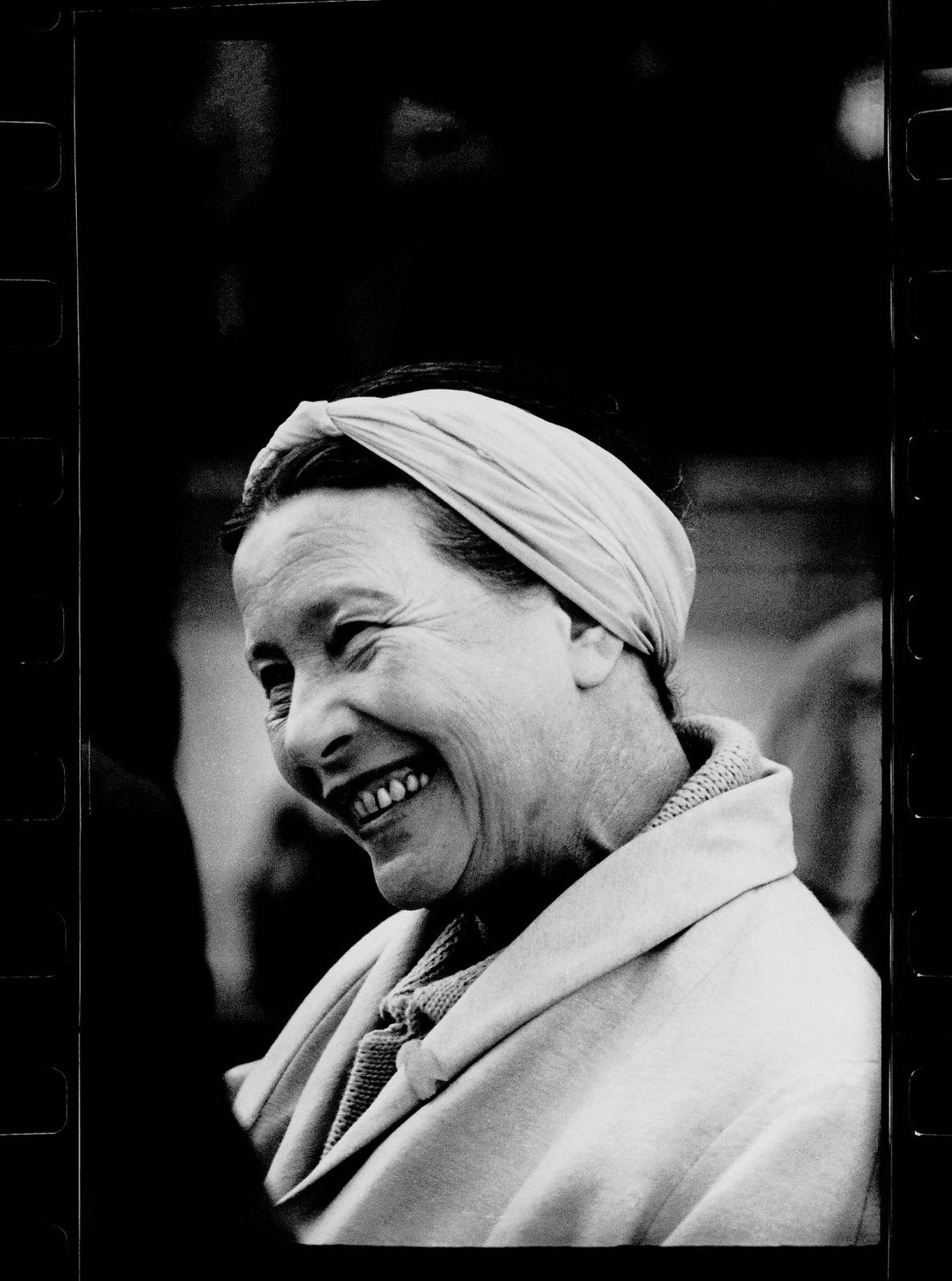 37. 1965. Симона де Бовуар в Литве. Нида