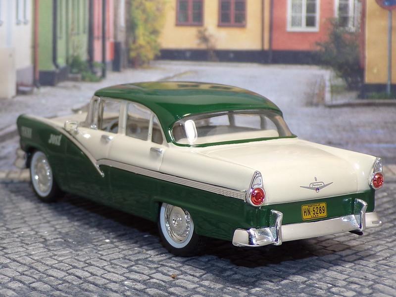 Ford Fairlane – 1956