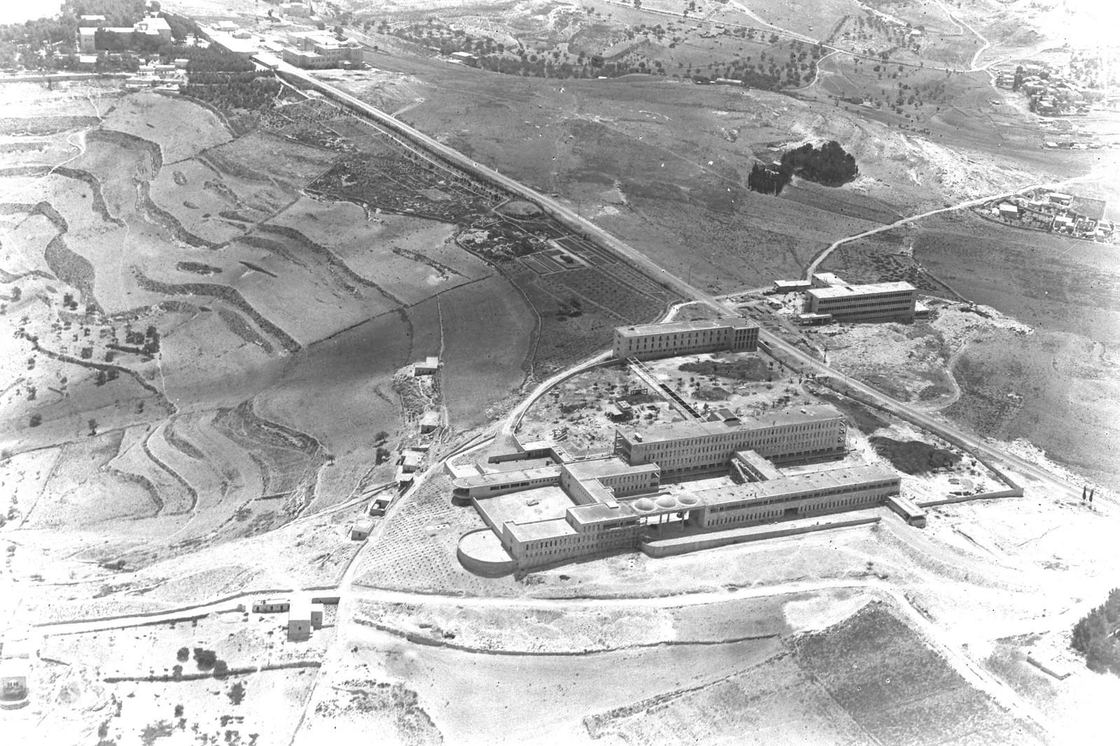 1939. Аэрофотоснимок медицинского центра Хадасса на горе Скопус, Иерусалим
