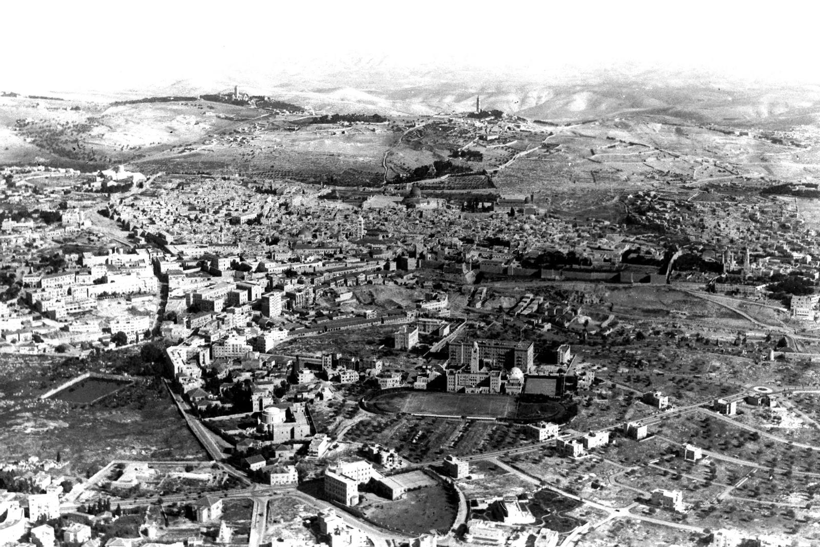1937. Вид с воздуха на Иерусалим
