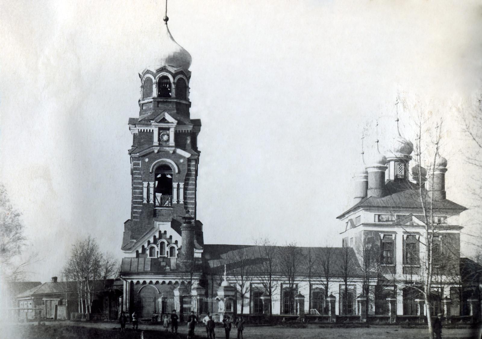 03. Вид на Сретенский храм