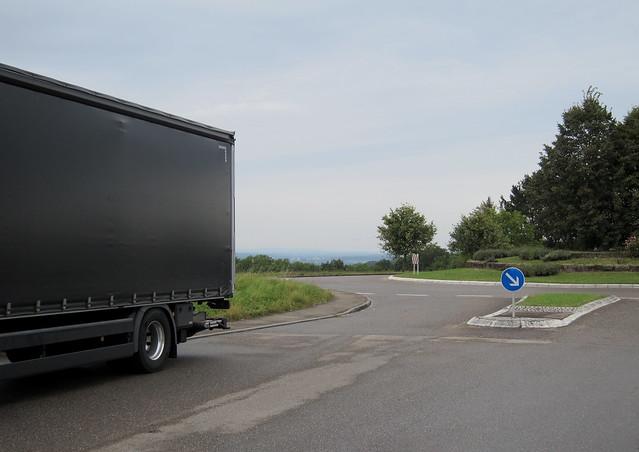 Die Quadratur des Kreisverkehrs / Squaring the Traffic Circle