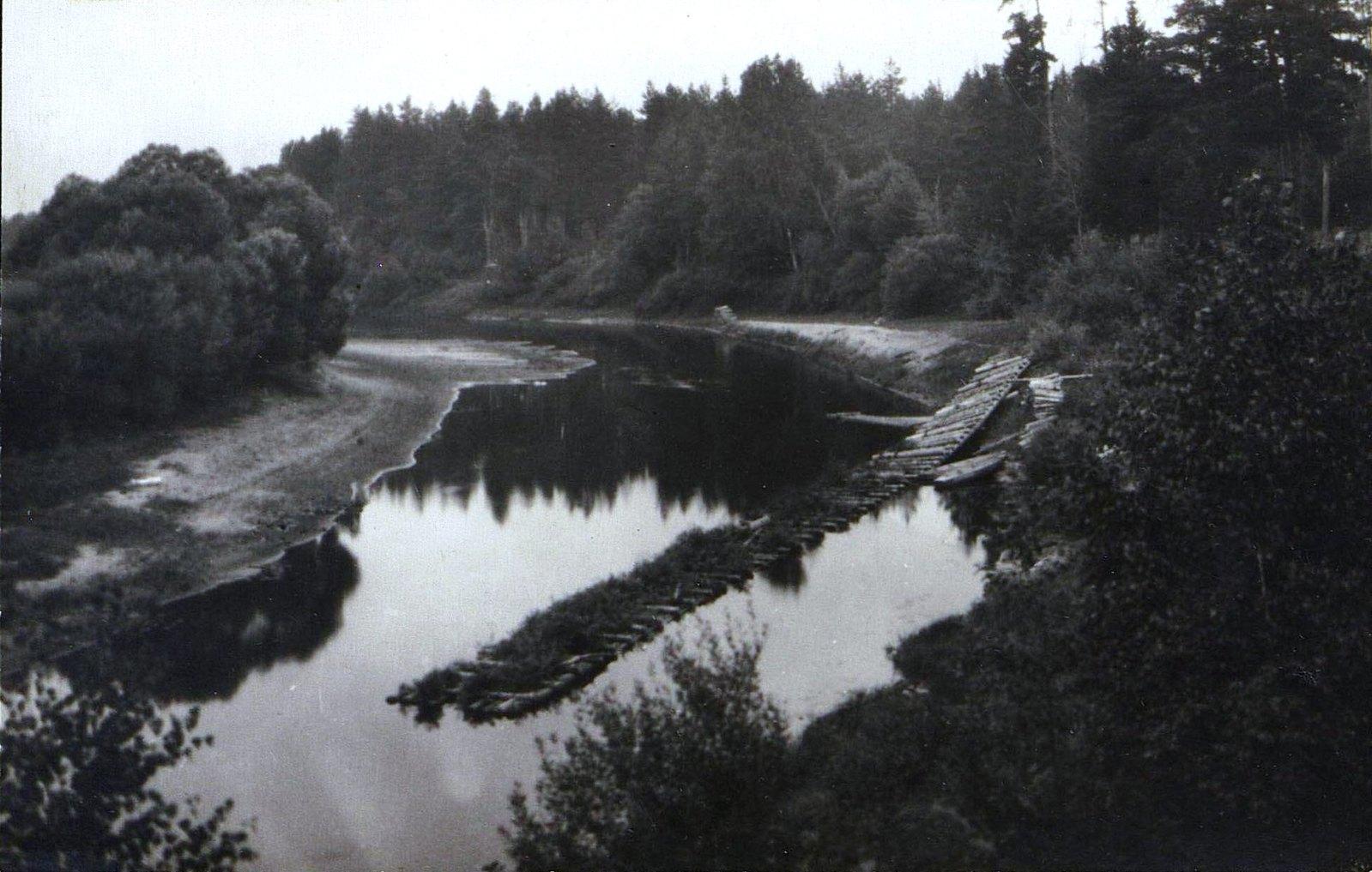 16. Река Дубна севернее г. Дмитрова . Летний ландшафт.  1900