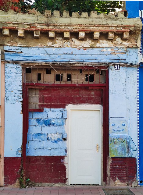 colore e degrado nelle vie di Cabanyal Valencia