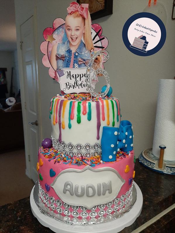 Cake by S&E's Cake&Cupcakes