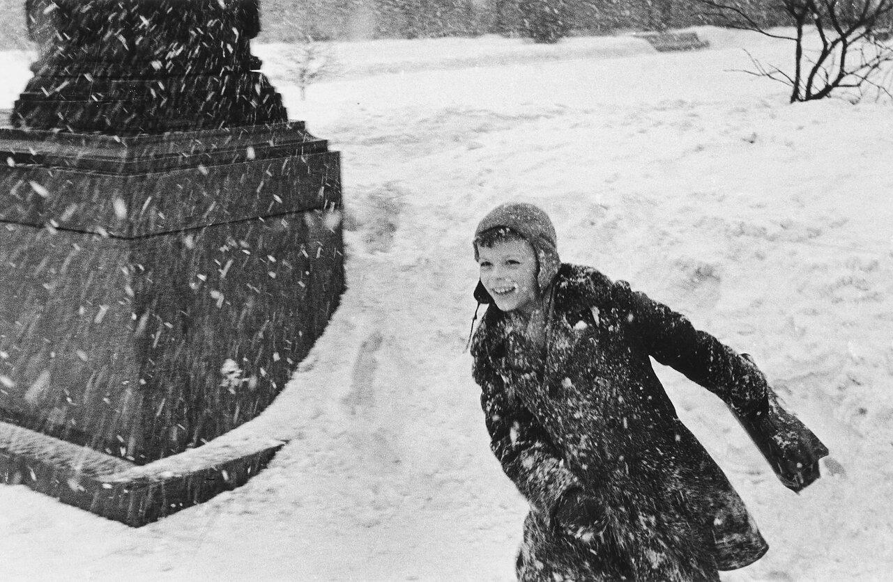 1960. Вильнюс. Дети и снег.