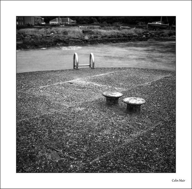 Bollards - 2021-08-08th, Dunure, f11 @ 4 sec, ND10 filter