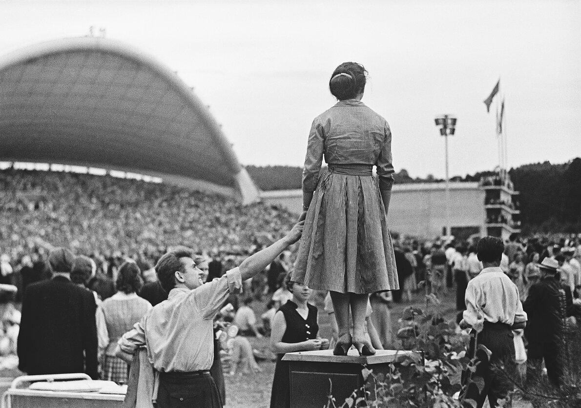 1960. Вильнюс. Праздник песни. Сцена в парке Вингио