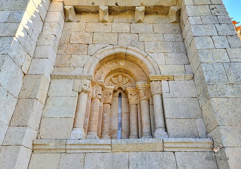 Buscando el Santo Grial en la Ermita de San Pantaleón (15)