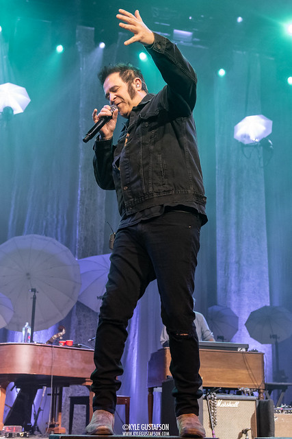 Counting-Crows-MGM-4
