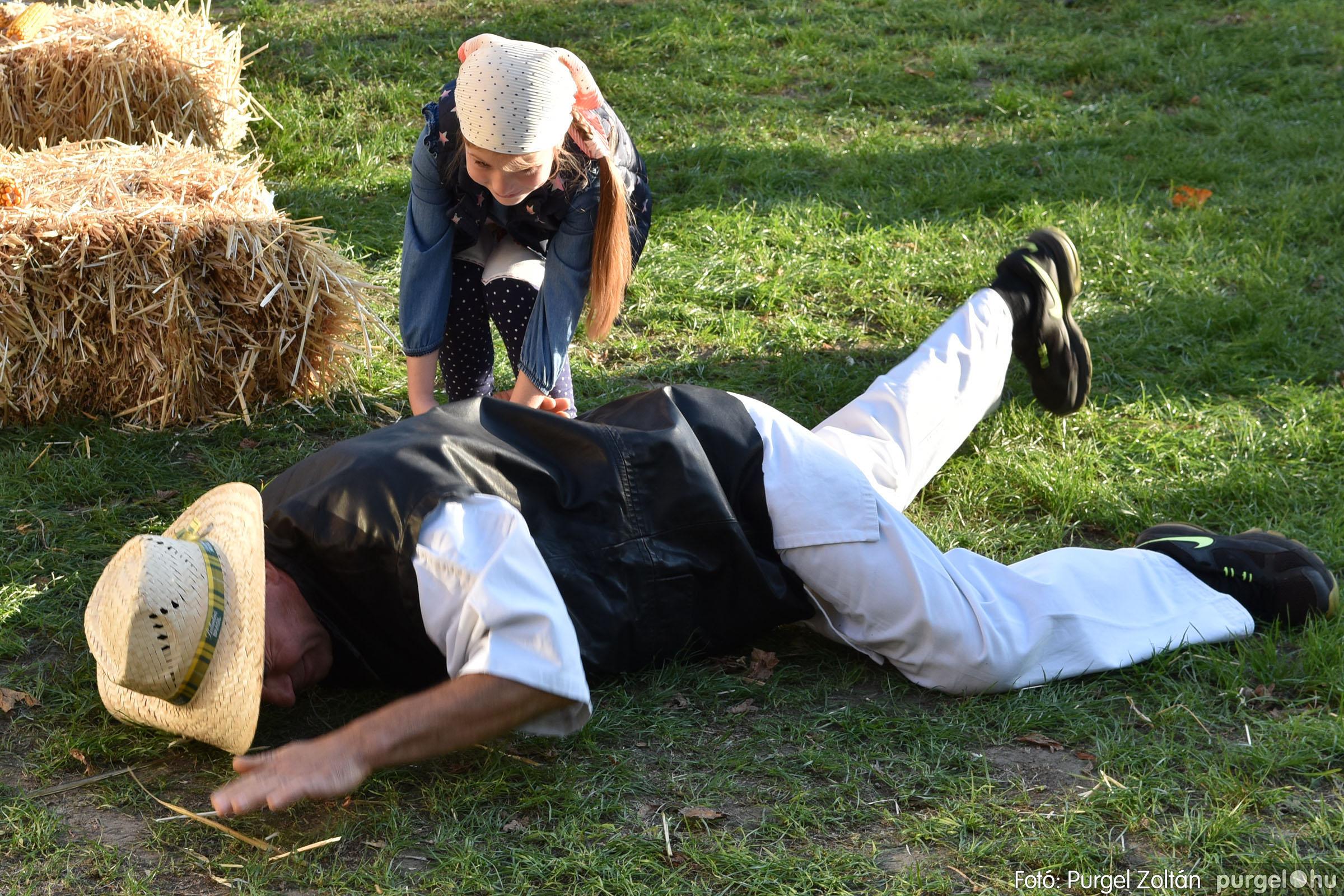 2021.10.02. 123 Szeg-Vár-Lak Egyesület - Kukorica nap - Fotó:PURGEL ZOLTÁN© DSC_0092q.jpg
