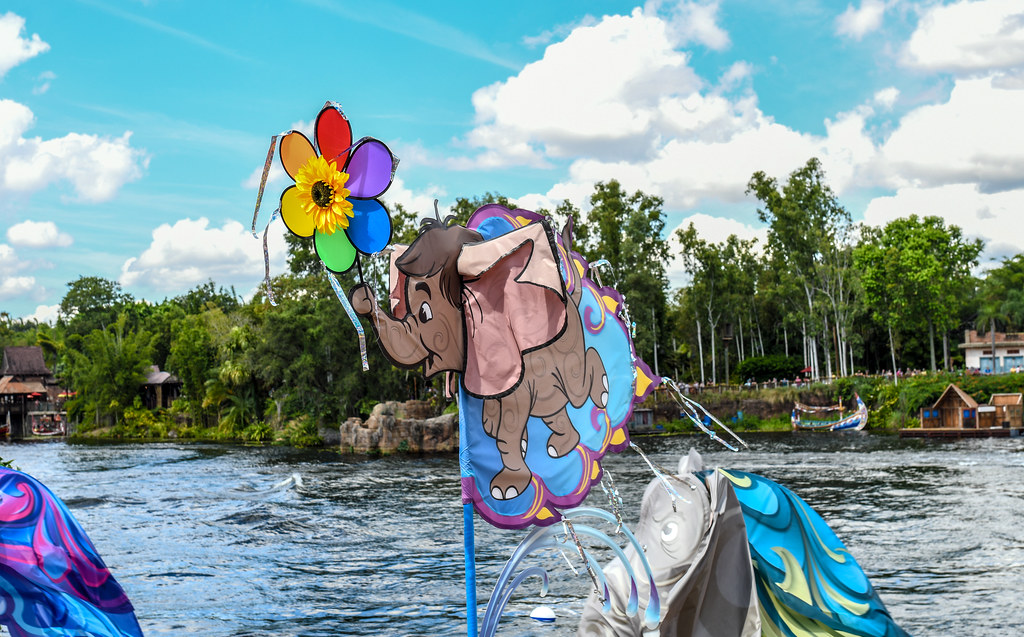 KiteTails elephant AK