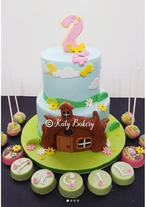 Cake by Katy Bakery