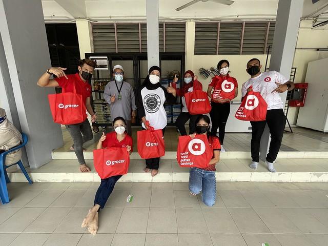 Airasia Dan Zer0Hunger.org Bantu Kanak-Kanak Yang Memerlukan Melalui Airasia Grocer