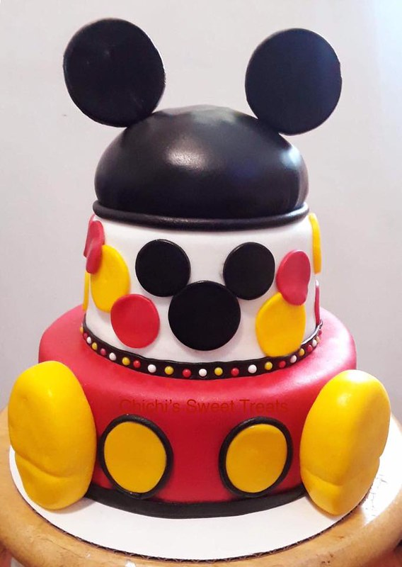 Cake by CHI CHI'S SWEET Treats
